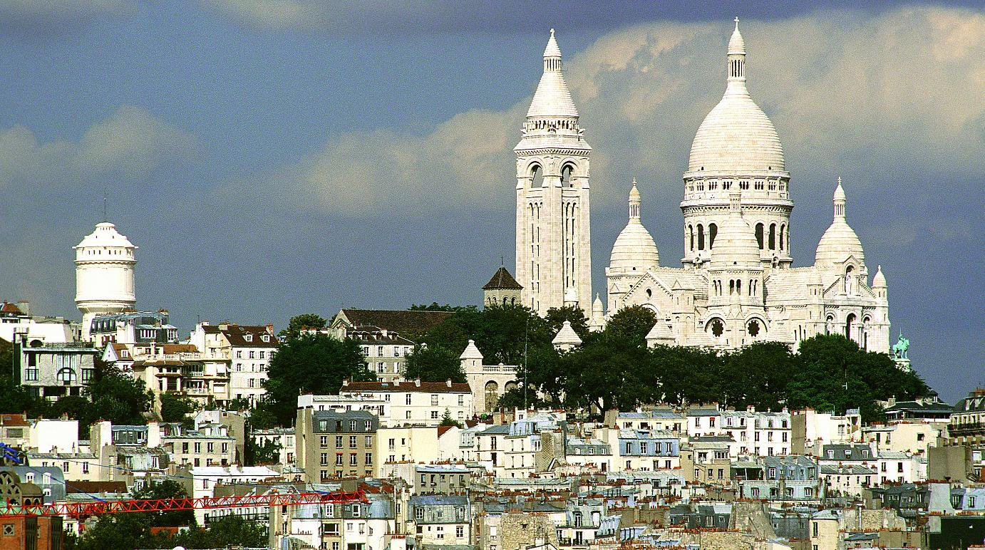 Sacre Coeur - the icon of Montmartre. Photographer : Jacques Lebar