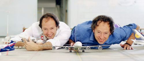 Always in a cheerful mood: the founders Frederik and Gerrit Braun.