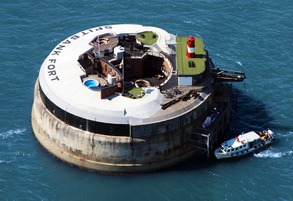 Spitbank Fort, the smallest of the three Solent Forts, sports eight luxuriously fitted bedrooms, plus an open air hot pool, a sauna, a wine cellar and games rooms. It is ideal for exclusive use like the recently organised Fort Boyard-themed team building day and is licensed for weddings.