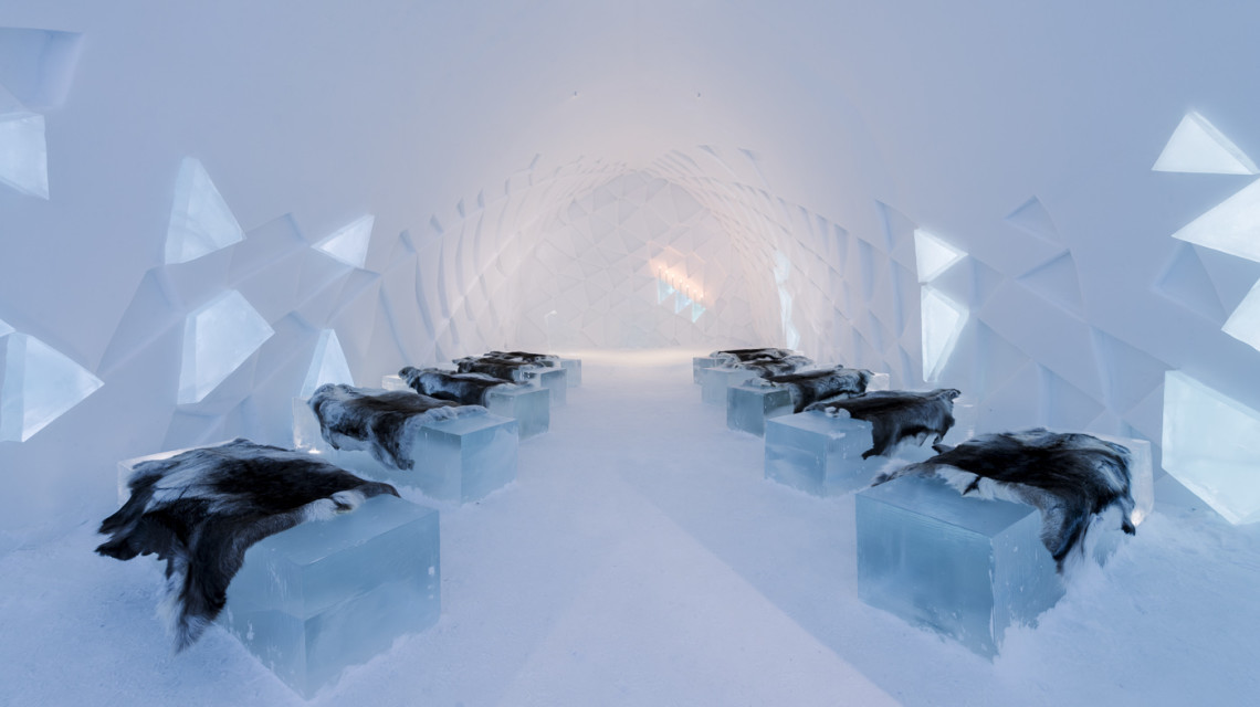 ICEHOTEL in Sweden: Communicating en bloc. Photo credit: ©Christopher Hauser.