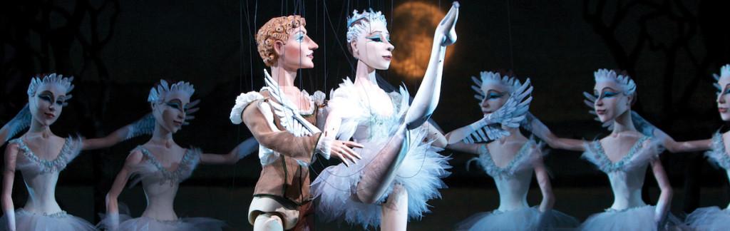 Lindau Puppet Opera: Swanlake Pas De Deux. Christian Flemming