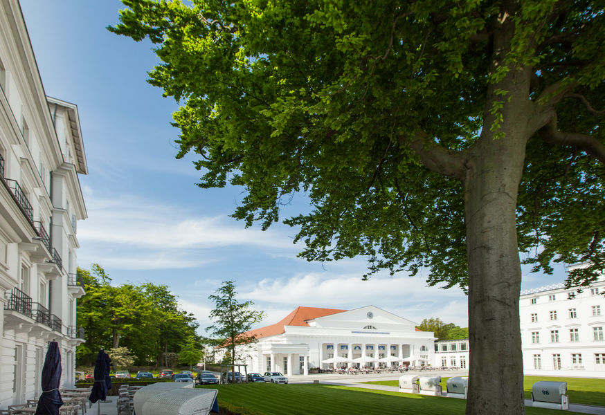 Heiligendamm Kurhaus und Kurhauswiese